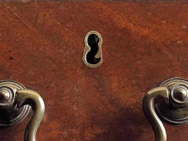 Chippendale_S_escutcheon_c1770_02a
